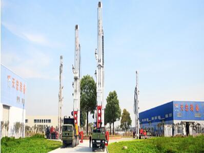 高端多功能车载钻机出厂前调试