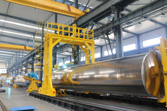 龙门焊接机器人生产流水线