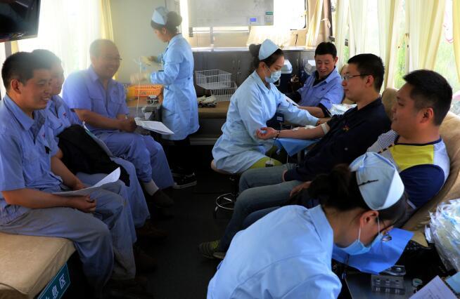 集团积极开展义务献血活动